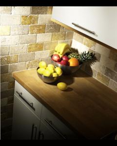Noce Yellow White Tumbled Travertine Mosaic 50x100mm